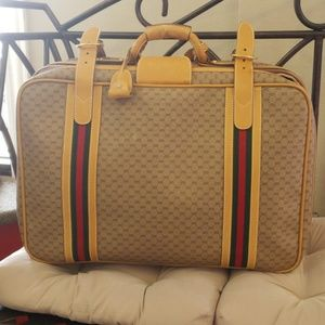 Stunning VGT Gucci TravelCase